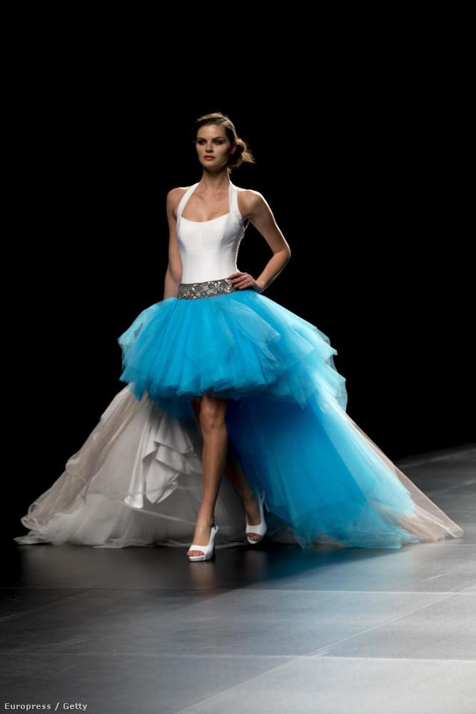 Vitathatatlan: ez a kék-fehér menyasszony gyönyörű