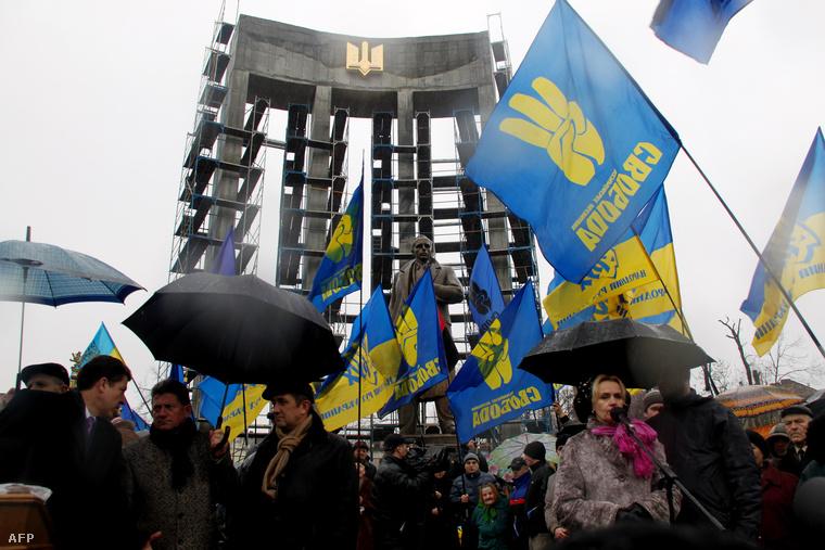 Bandera szobra Lviv-ben