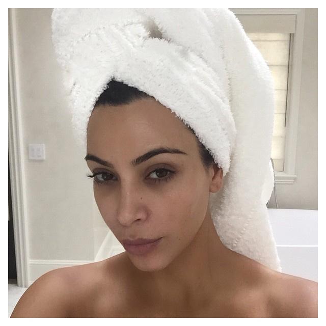 Ha valamelyik tanulni akarna, Kim Kardashian biztos vállal órákat