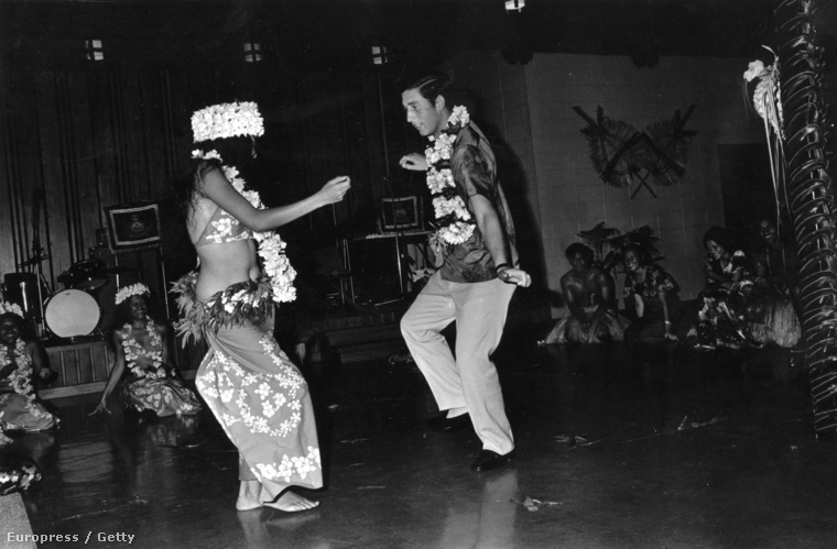 Ez a kép 1974-ben készült Károlyról, amikor Fidzsi-szigeteken járt 26 évesen.