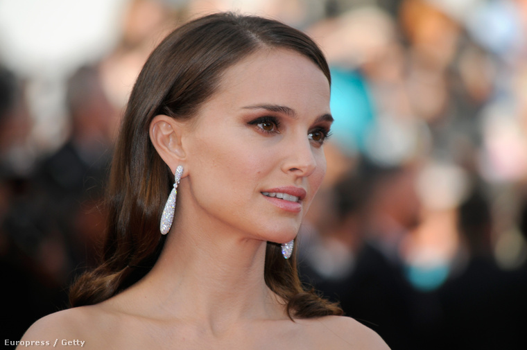 Natalie Portman egyébként nem csak vékony volt a Cannes-i filmfesztivál megnyitóján, de már-már bosszantóan szép is