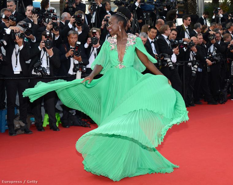 Mint egy hatalmas zöld medúza