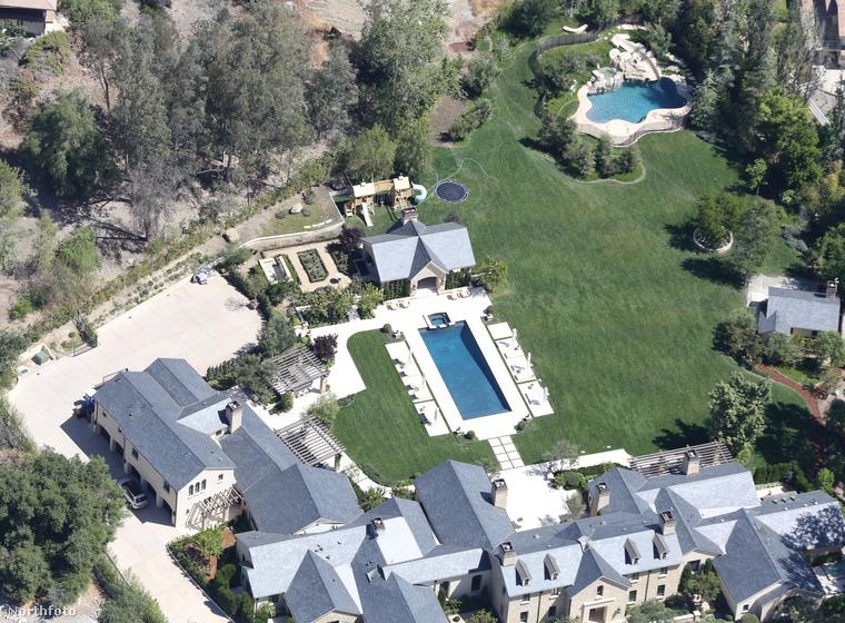 Ebben az összeállításban Khloe Kardashian háza volt talán a legzöldebb, de még ez is elbújhat a nővére, Kim Kardashian és Kanye West birtoka mögött