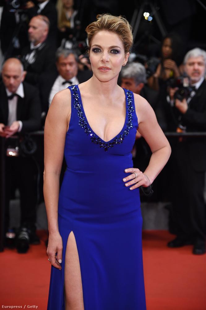 Tippeljen hány éves Claduia Gerini?Nem tudom, mit tippelt, de az olasz színésznő 43 éves