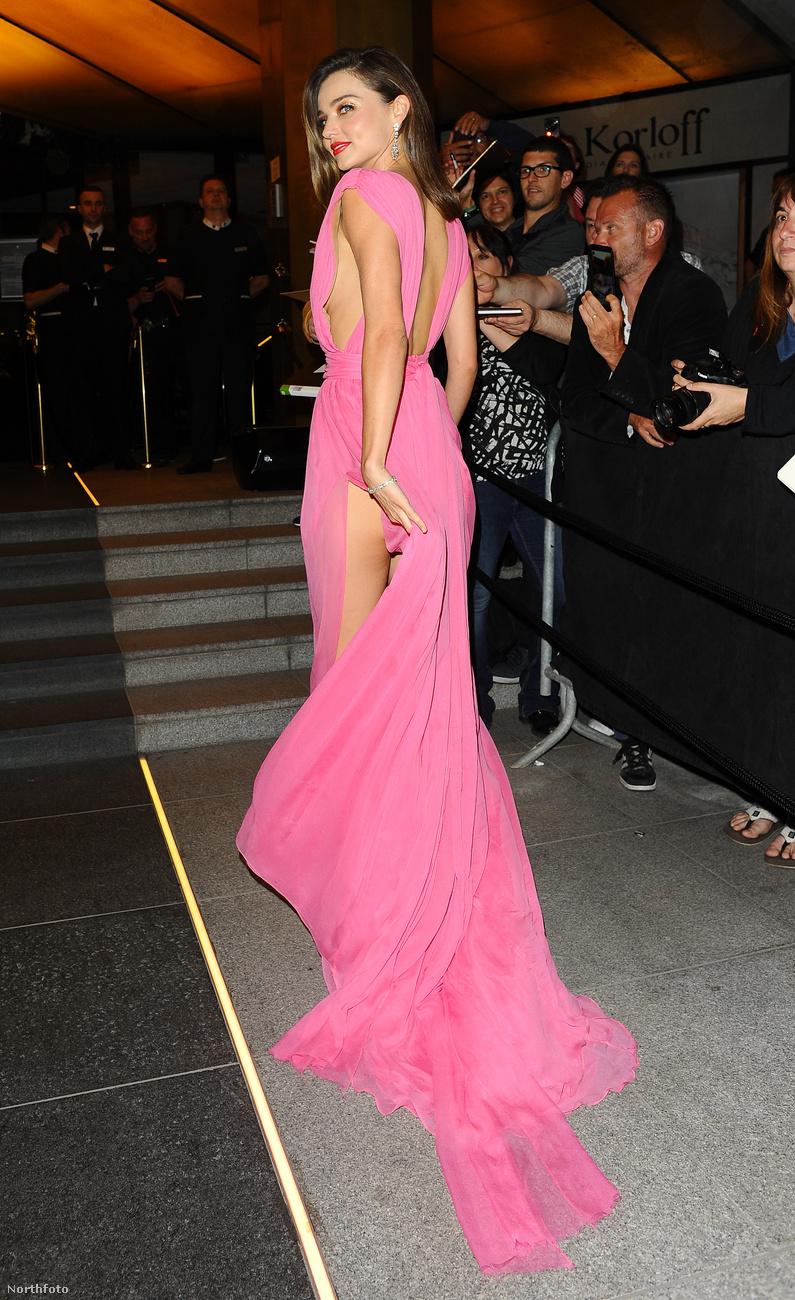Miranda Kerr volt idén az egyik első majdnem villantó celeb Cannes-ban