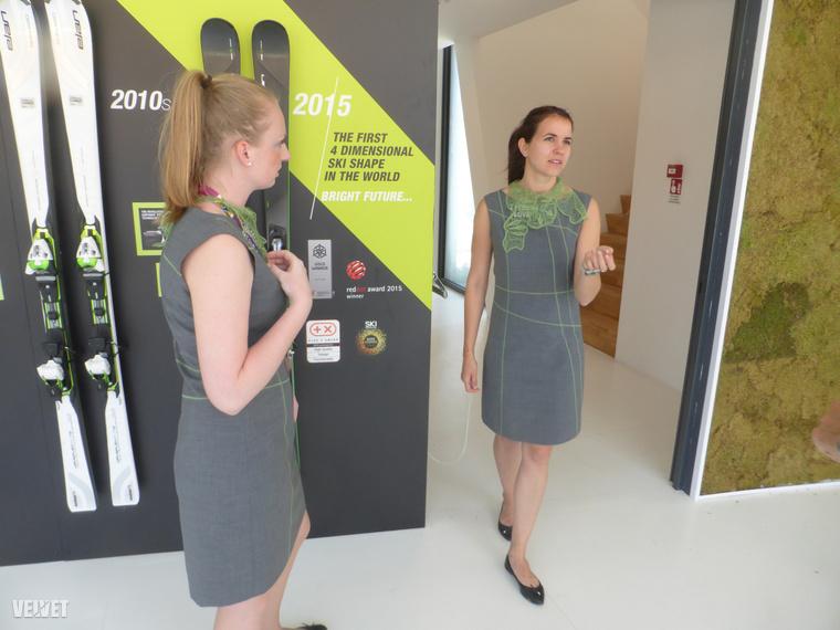 Két szlovén lány készségesen mesélt az ő uniformisukról