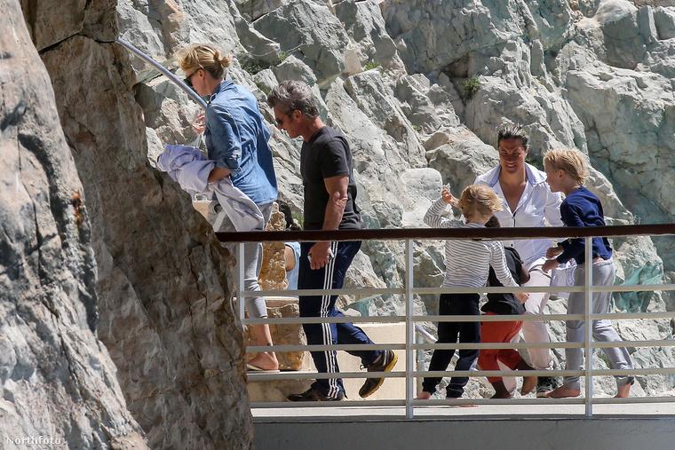 Fél Hollywood Franciaországban, azon belül is Cannes-ban és környékén parádézik most, ahogy Charlize Theron és pasija, Sean Penn is