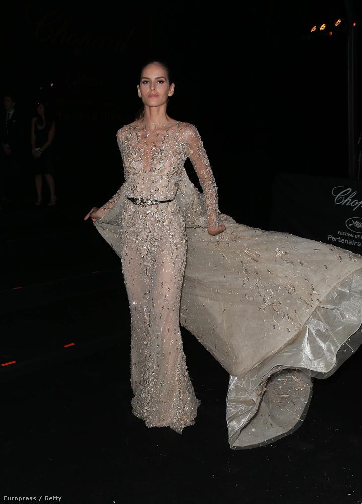 Izabel Goulart, brazil modell is megjelent...