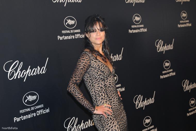 Michelle Rodriguez pedig majdnem nőies lett ebben a ruhában
