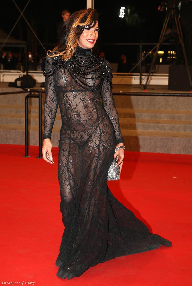 Van,  aki szexiskedik, más cukiskodik, és van, aki egyszerűen csak gyönyörű Cannes-ban