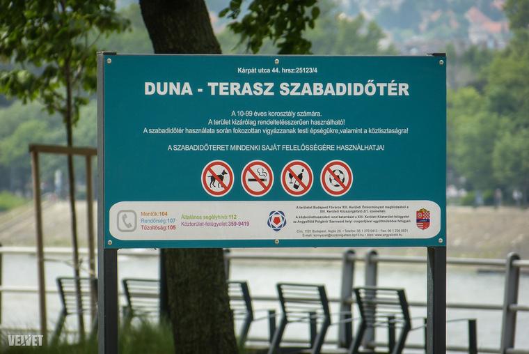 Hivatalosan Duna-Terasz Szabadidőtérnek hívják, és senkit se tévesszen meg a tábla, mert kutyázni és sportolni is lehet a közelében.