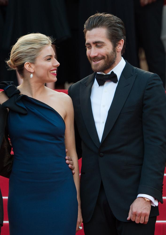 Talán még emlékeznek, hogy néhány napja megcsodáltuk, milyen szép pár Sienna Miller és Jake Gyllenhaal, annak ellenére, hogy egymásnak nem társai az életben ők.