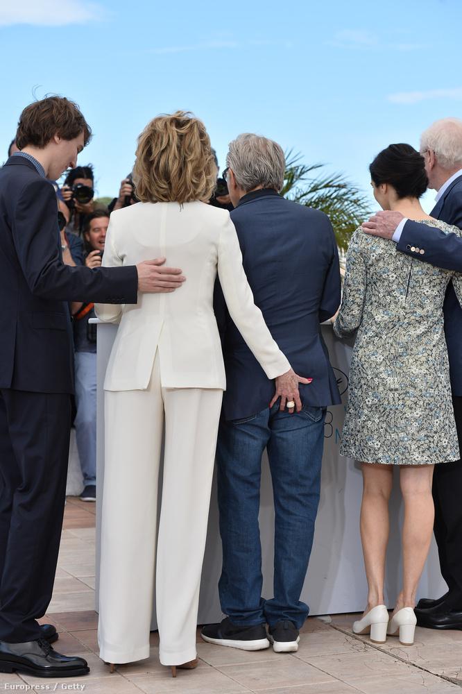 Cannes egyik legviccesebb momentuma az volt, mikor Jane fonda rámarkolt Harvey Keitel seggére