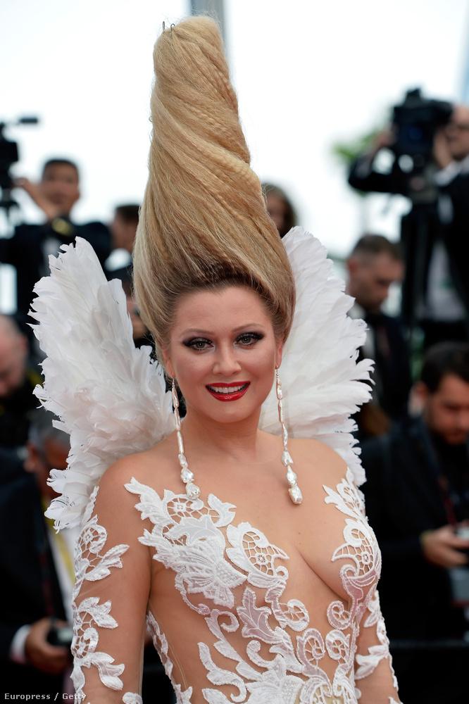 Persze Elena Lenina haját semmi sem múlhatja felül