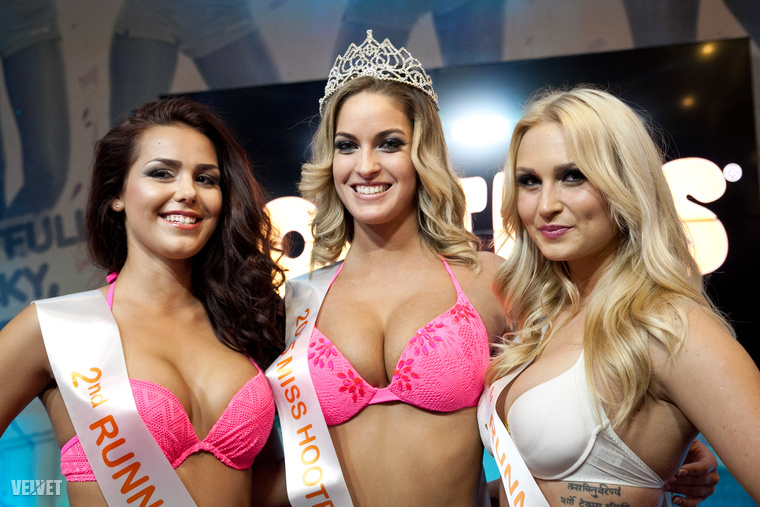 A második, első és harmadik helyezett ebben a sorrendben: Réka, Dalma és Maja.