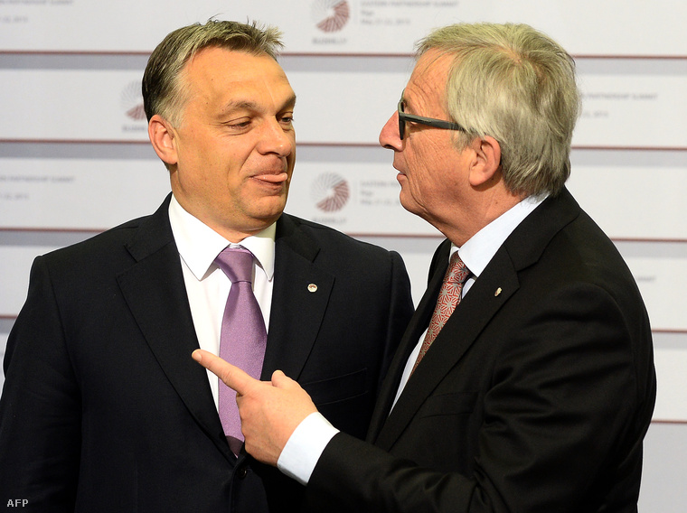 Orbán Viktor magyar miniszterelnök és Jean-Claude Juncker, az Európai Bizottság elnöke az EU-tagállamok és a keleti partnerségi programban részt vevő országok kétnapos rigai csúcstalálkozóján 2015. május 22-én.