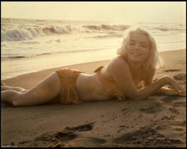 Marilyn Monroe utolsó profi fotózásán készült fotókat árverezték el most Londonban, a Bloomsbury-ben.