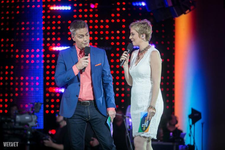 Kedd este tartották a Fonogram zenei díjátadót a Várkert Bazárban, ahol Tatár Csilla növekvő hasán kívül is történt egy csomó mindent