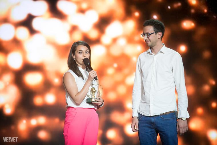 De most figyeljen Boggie-ra,                         Az év hazai klasszikus pop-rock számáért járó díj  az övé