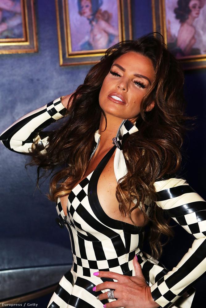 Az angolok egykori kedvenc glammodellje, az egyszerűen csak Jordan néven emlegetett Katie Price megjelent tegnap a RuPaul's Drag Race nevű tehetségkutató döntőjén (a műsorban transzvesztita előadóművészek versenyeznek).