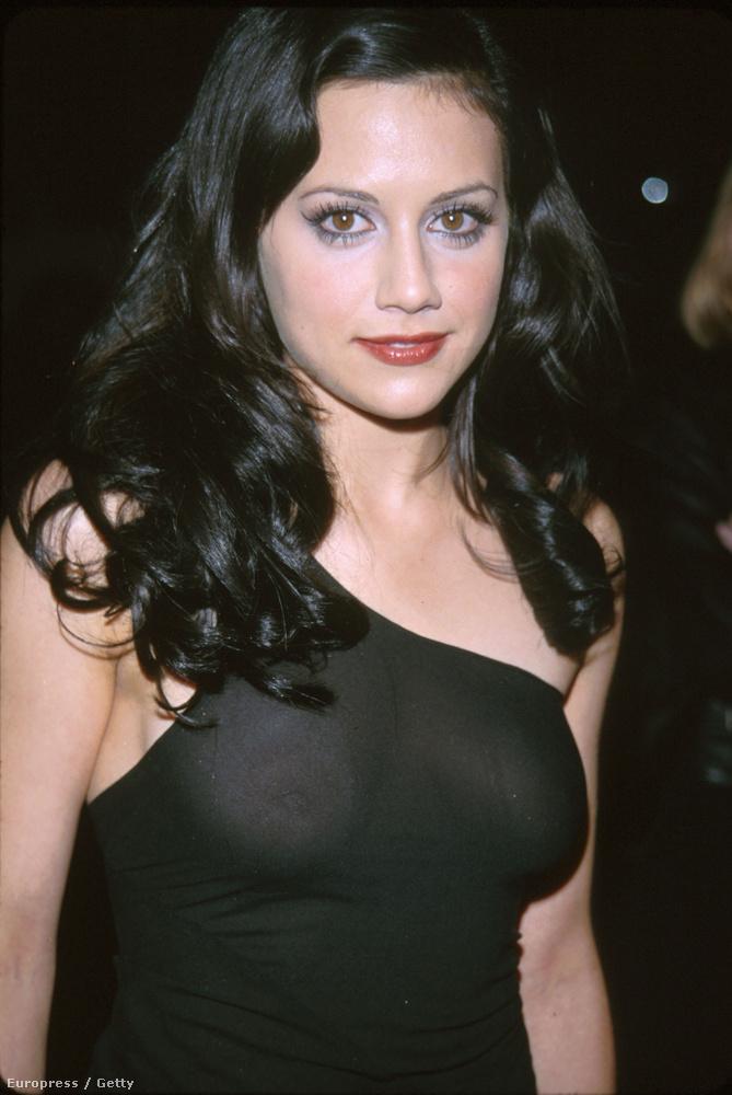 1999-ben még nem volt annyira köztudott, hogy mi történik, ha valakinek rávakuznak a fekete ruhájára.