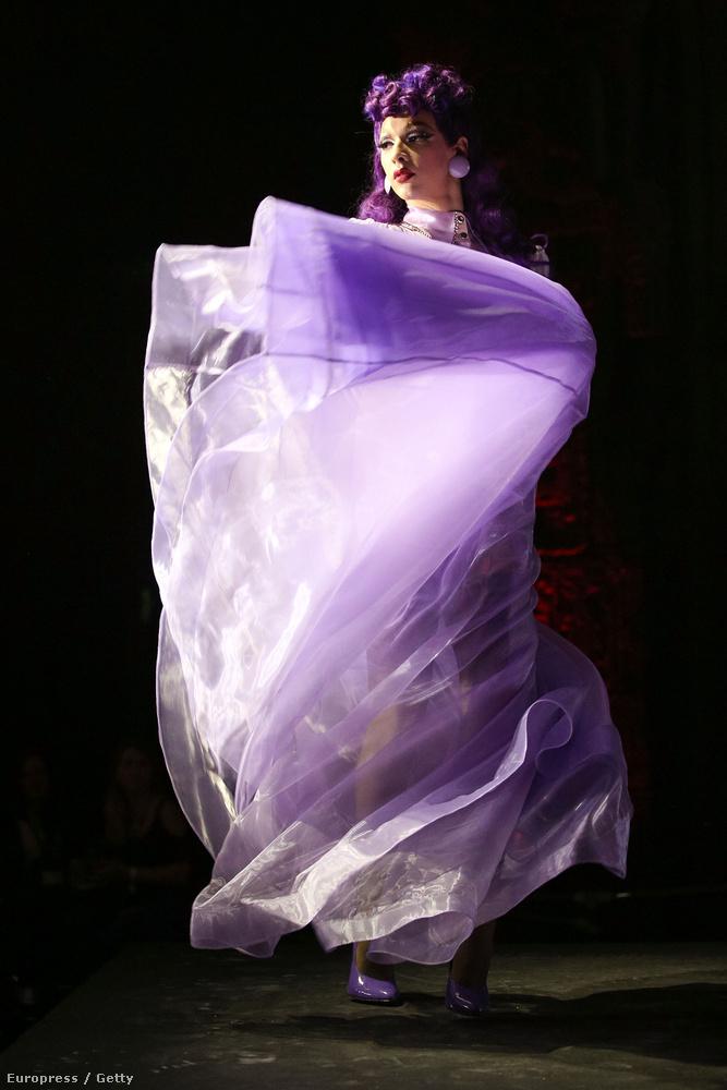 Violet Chachki minden idők egyik leghalszagúbb transzvesztitája