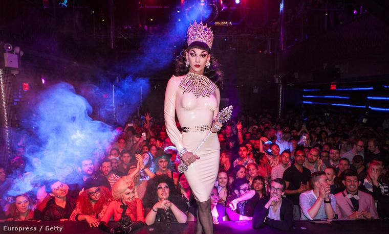A koronázás pillanata a RuPaul's Drag Race fináléjában
