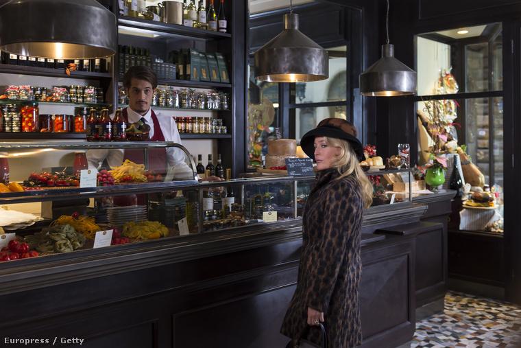 Gillian Anderson remek kosztümöket kapott erre az évadra.