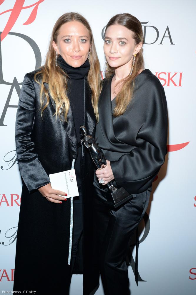 Az Olsen-ikrek pedig azt mutatták meg, hogy 29 évesen hogy kell úgy kinézni, mint két öregasszony