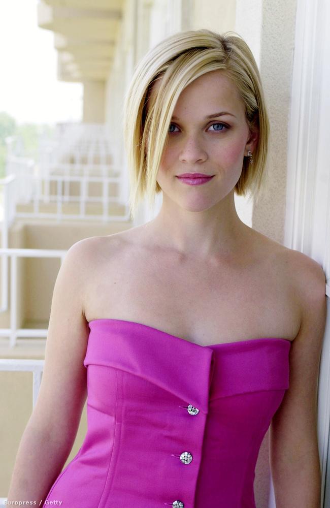 És most csodálják meg Reese Witherspoont egy még el nem készült ruhában!