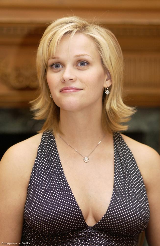 A színésznő mindig jól öltözködött, csak olykor becsúszott neki egy olyan baki, mint ez az anyukahaj, amely optikailag sugallja a minimum három gyereket.