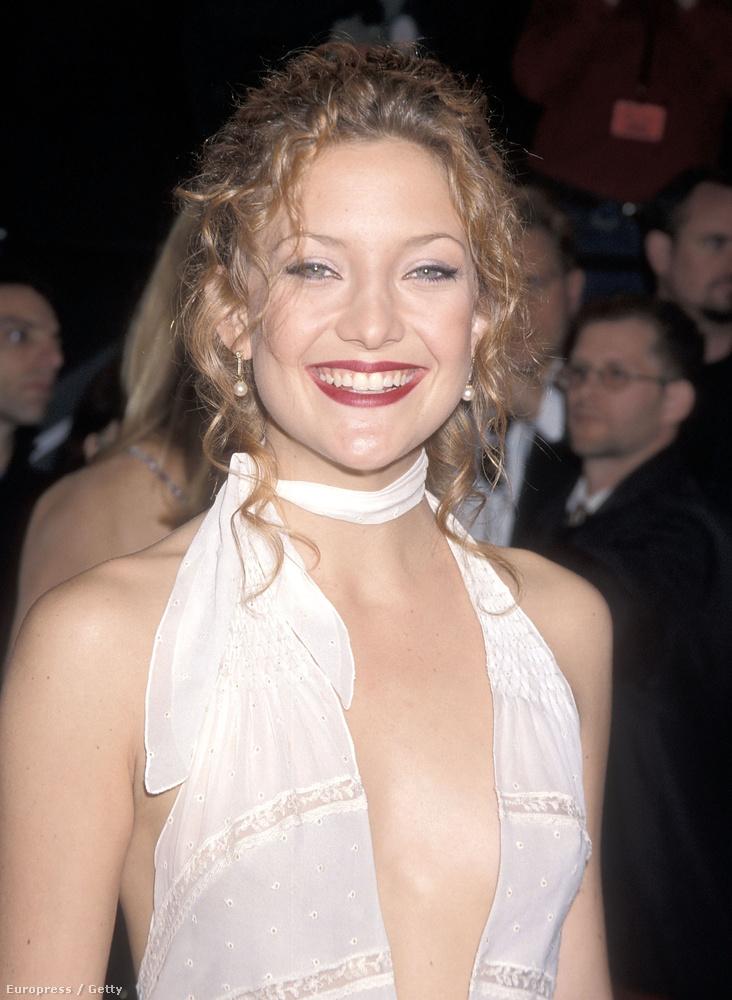 Viszont már 2000-ben is szerette a mellközét mutogatni.