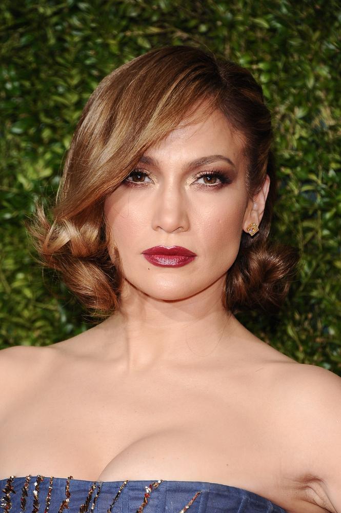mi most inkább Jennifer Lopezzel foglalkozunk.