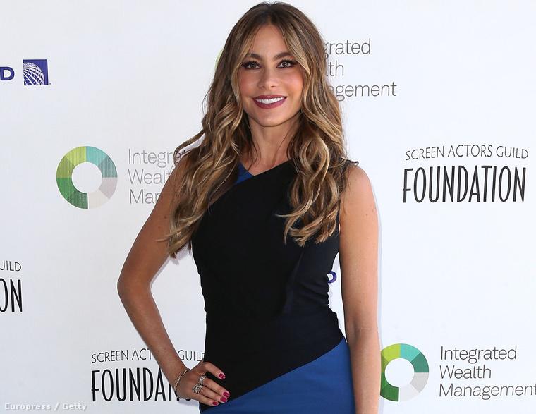 Sofía Vergara színésznő június 8-án kapott egy díjat a hollywoodi színészszakmától, mert nagyon inspirálónak tartják a tehetségét.