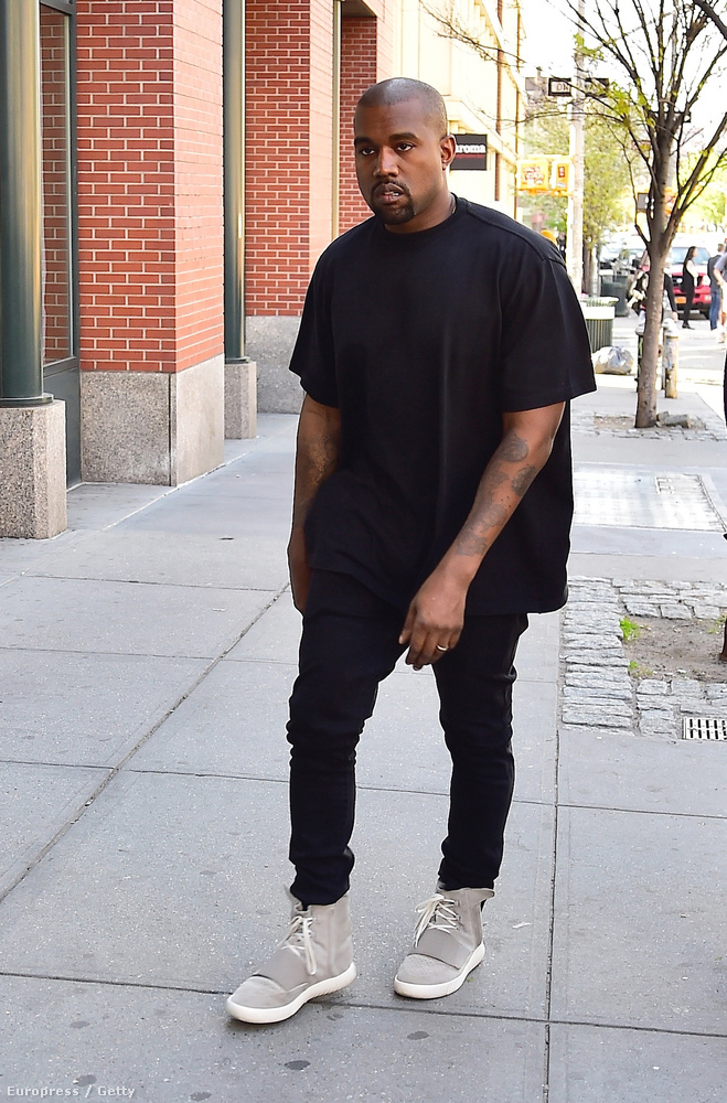 Ugye mindenki tudja, hogy Kanye West mostanában így néz ki