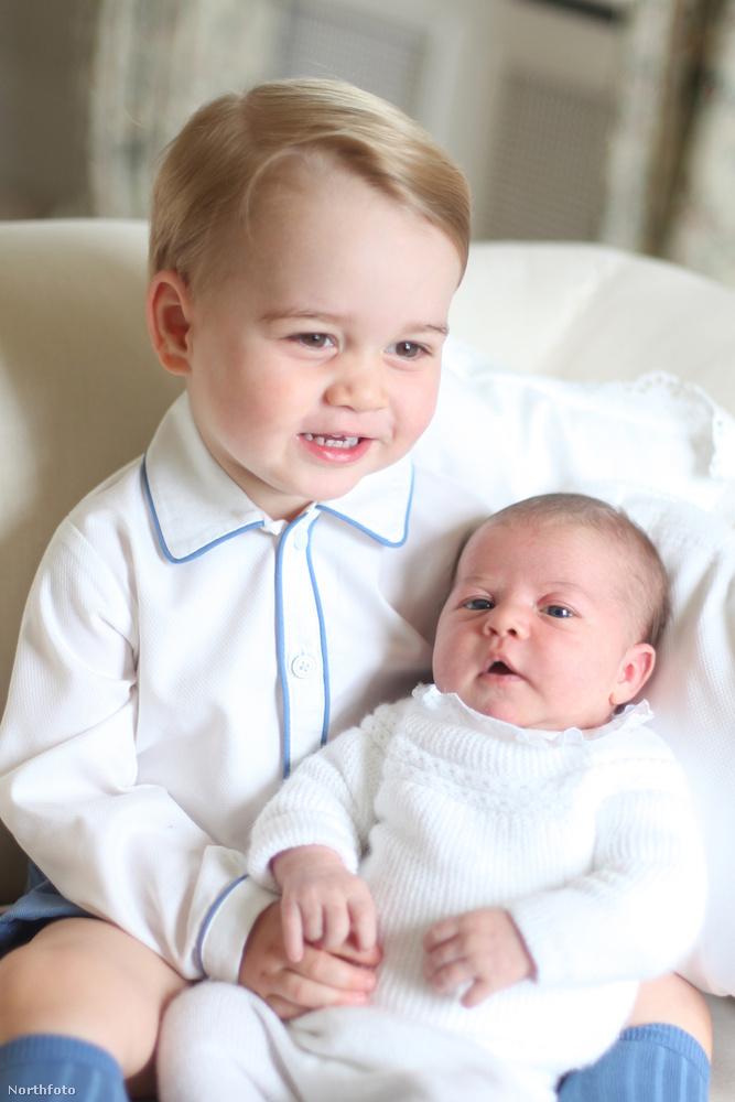 Ezen a héten elkészültek az első hivatalos fotók Charlotte hercegnőről, méghozzá György herceggel együtt.