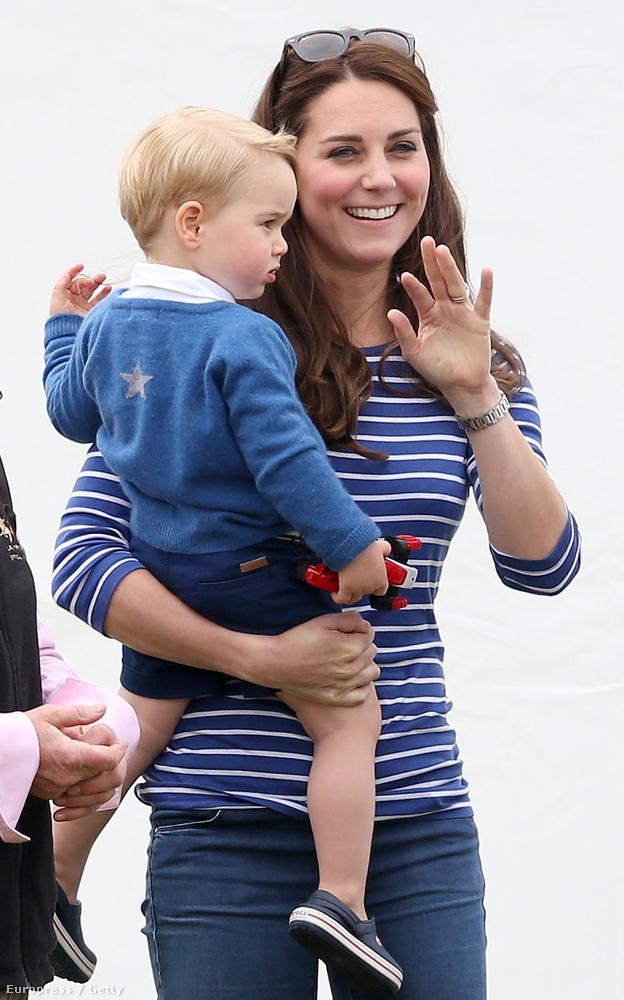 A kis Sarolta ugyan nem volt jelen, de György herceg hozta a kellő cukiságfaktort egyedül is