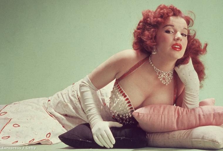 Ez egy picit Marilyn Monroe-s utánérzet.