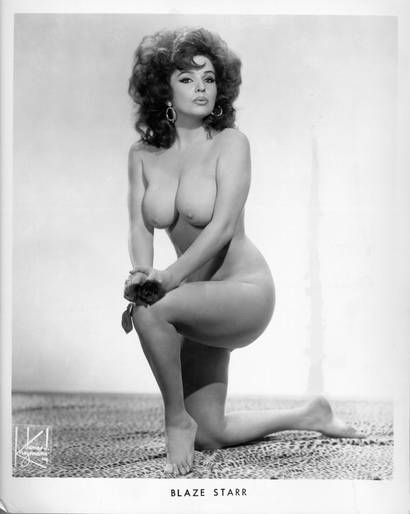 83 évesen elhunyt a burlesque ikon és sztripper, Fannie Belle Fleming, azaz Blaze Starr,  tudósít a The New York Times.