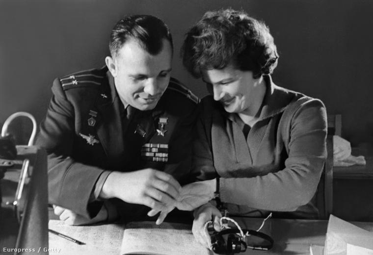 1963-ban Tyereskova házasságot között a Vosztok–3 pilótájával, Andrijan Nyikolajevvel
