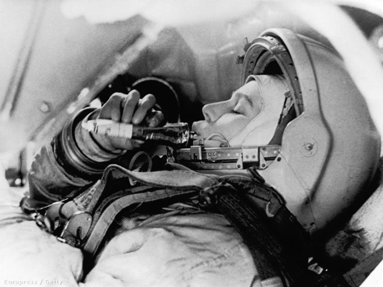 Ő volt az első szovjet űrhajós, aki manuálisan vezethette a járművét