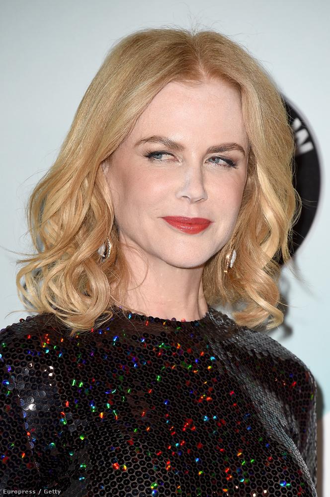 Bezzeg Nicole Kidman arca...Még mindig nem tanulta meg, mit tesz a púderes arcával a vaku