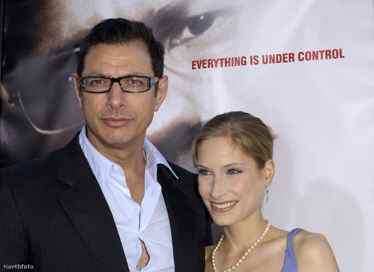 Tíz éve volt, hogy Jeff Goldblum eljegyezte Catherine Wreford kanadai színésznőt, emlékszik még? Valószínűleg nem, mert végül nem házasodtak össze