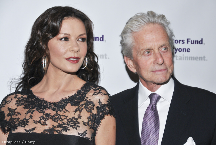 Még egy pár, akiket nyilván nem kell bemutatni, mert annyira híresek: Catherine Zeta-Jones és Michael Douglas