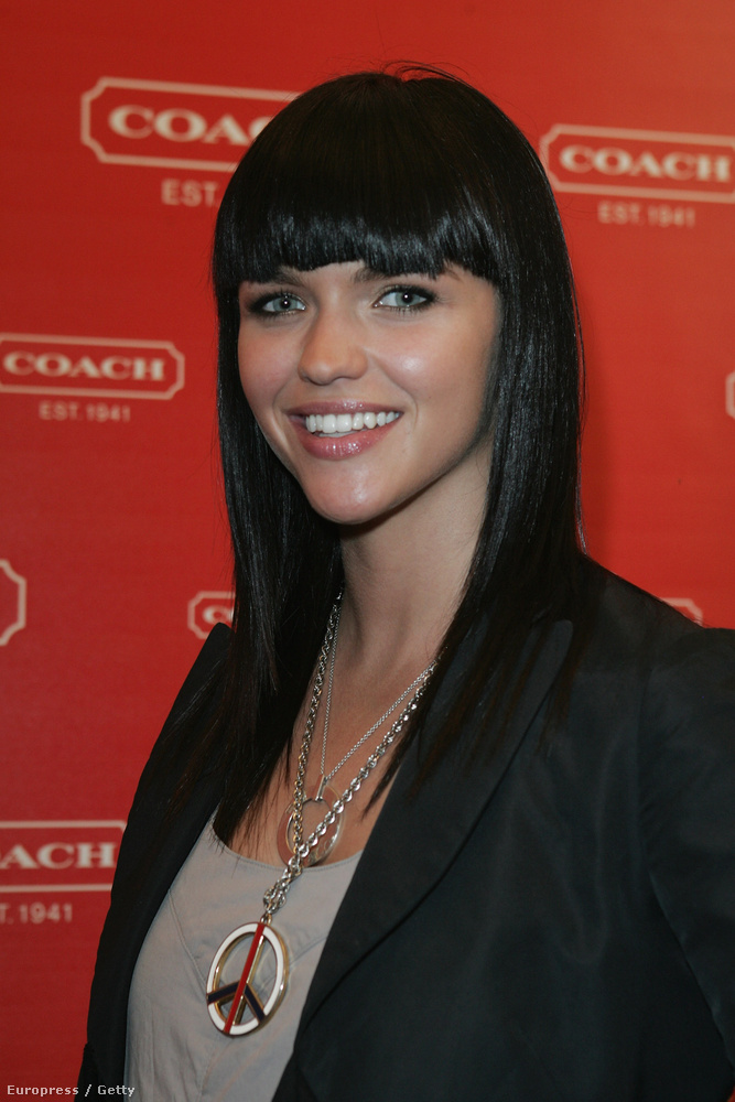 2008-ban még hosszú volt a haja, és elsőrban a divatvilágban volt ismert és elismert.