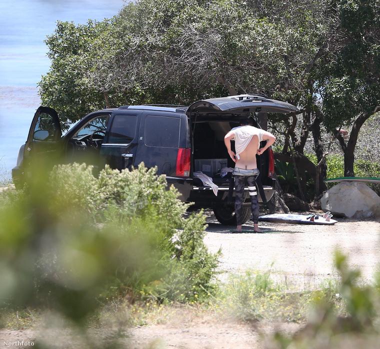 Ugyanis a fotósoknak is feltűnt a telihold, amit Hemsworth okozott az átöltözéssel.