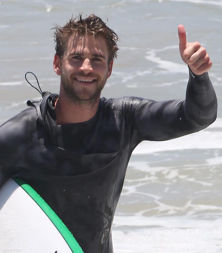 Liam Hemsworth szombaton szörfözéssel töltötte a napot.