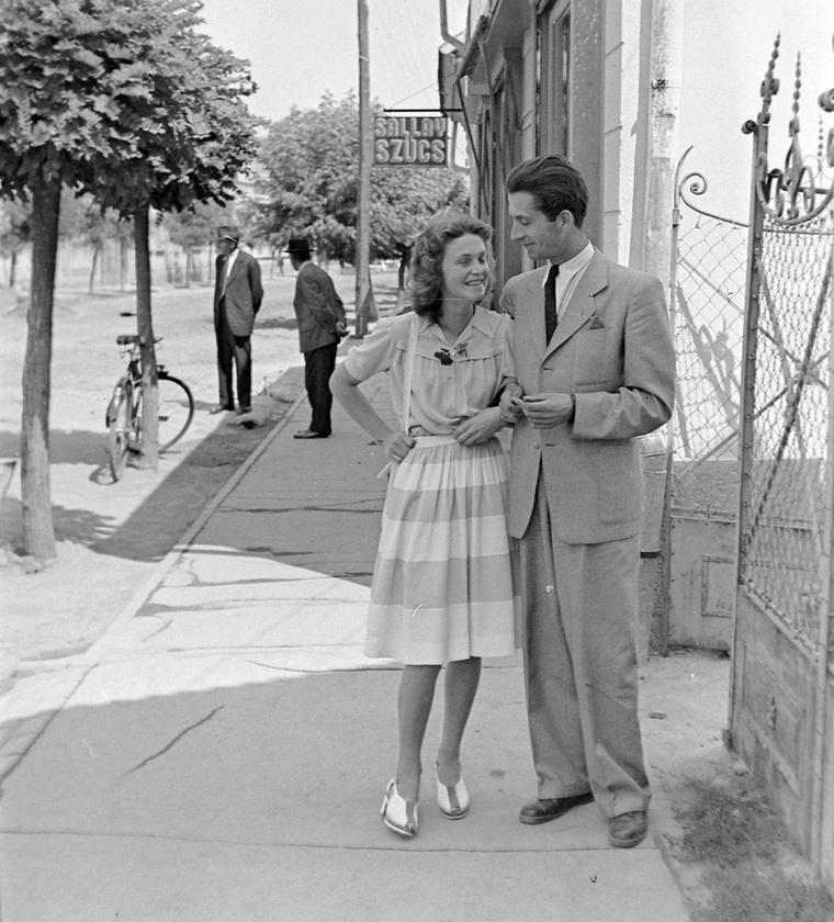 Szintén 1943 – őrület, milyen divatosak és csinosak voltak mind a ketten!