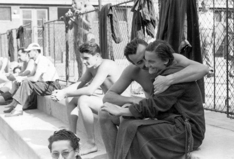 1955-ben is ment az összebújás a Margit-szigeten