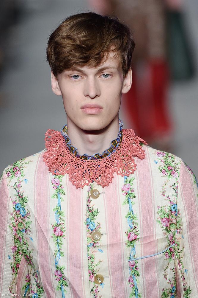 ...mint az a srác, aki átdugta a fejét egy rózsaszín csipketerítőn